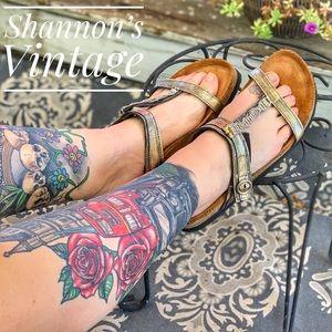 Naot size 9 sandals